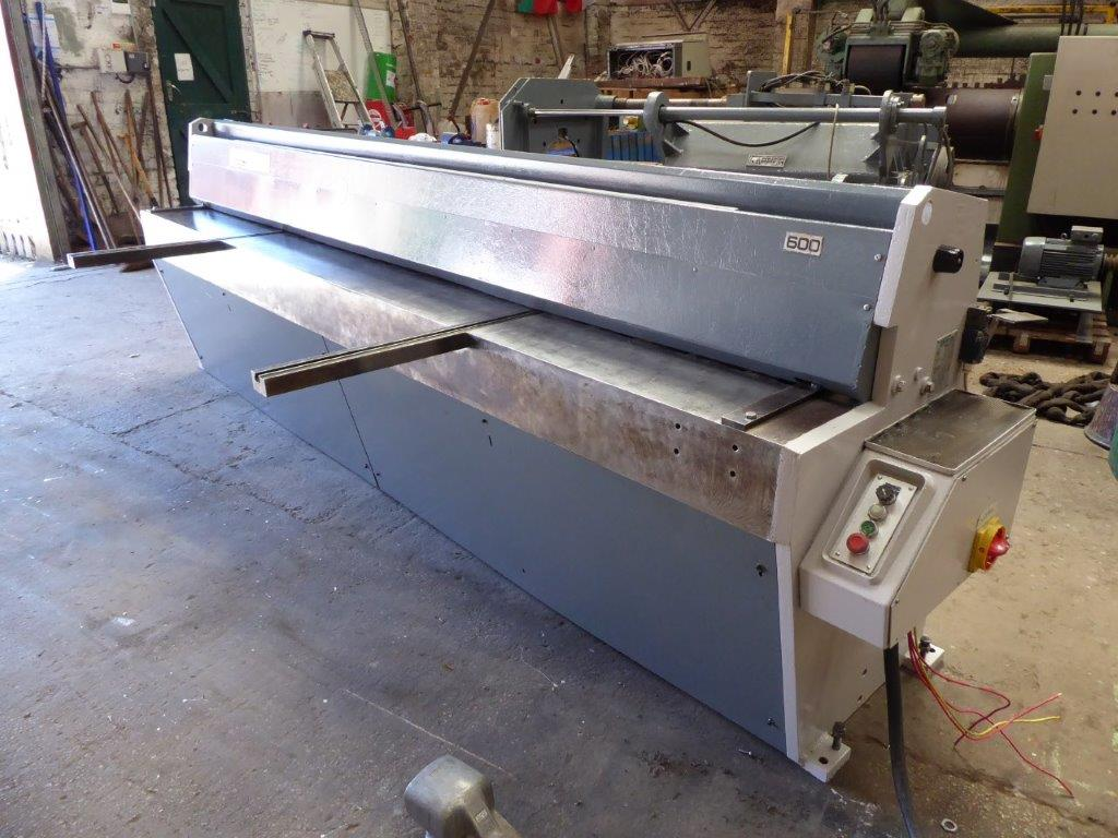 EDWARDS 3 METRE DD GUILLOTINE